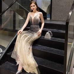 Luxury Evening Dresses 2020 New Design Beaded Real Photos Celebrity Robe De Soiree Mermaid Floor Length Party Prom Gowns ZD1038