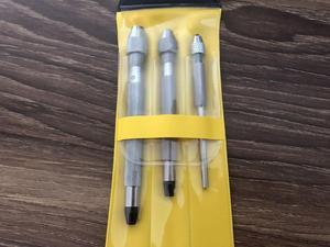 Image 2 - Frete grátis 1 conjunto 30026 conjunto de três (3) pinos vícios feitos na china para reparação de relógios