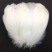 100 pçs/lote penas de ganso branco natural pluma artesanato diy colorido penas atacado festa de casamento decoração de natal 13-18cm