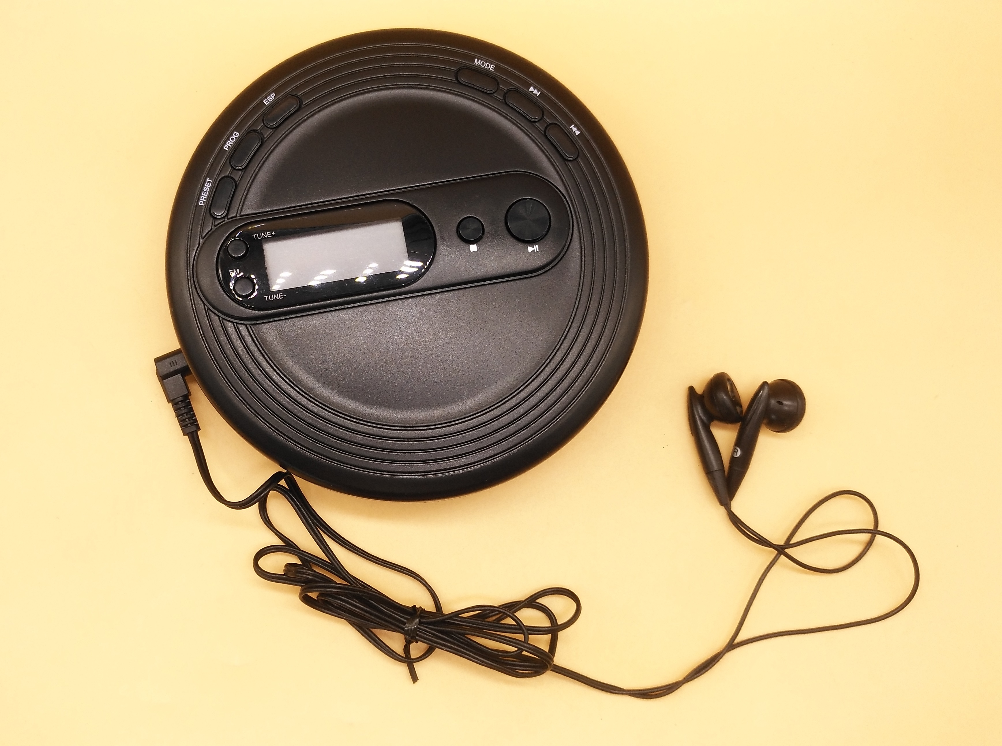 Brand New Portable CD Player For Audio CD/CD-R with FM Radio Shock Protection/Skip Free/ESP Bass Boost System Earphones