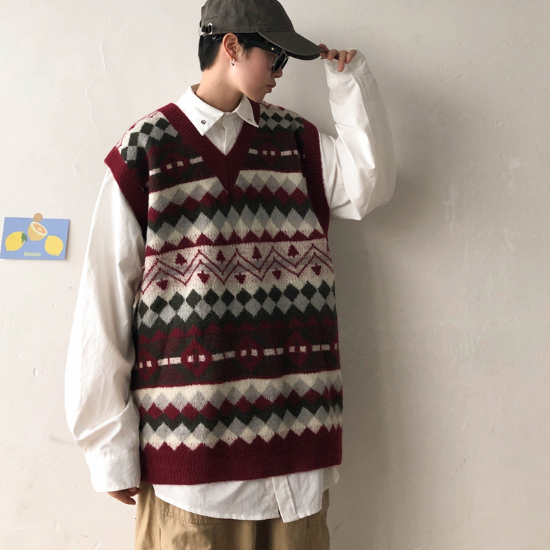 V-neck Knit Sweater Vest Men's Fashion Retro Casual Knitting Pullover Men Streetwear Wild Loose Sweater Vest Male Sweter Clothes