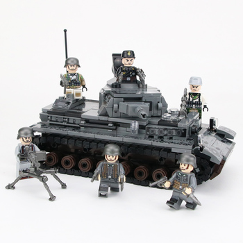 цена на WW2 Military Germany IV Tank Building Blocks WW2 Military Tank Army Soldiers Figures Weapon parts Bricks Toys for Children Gift