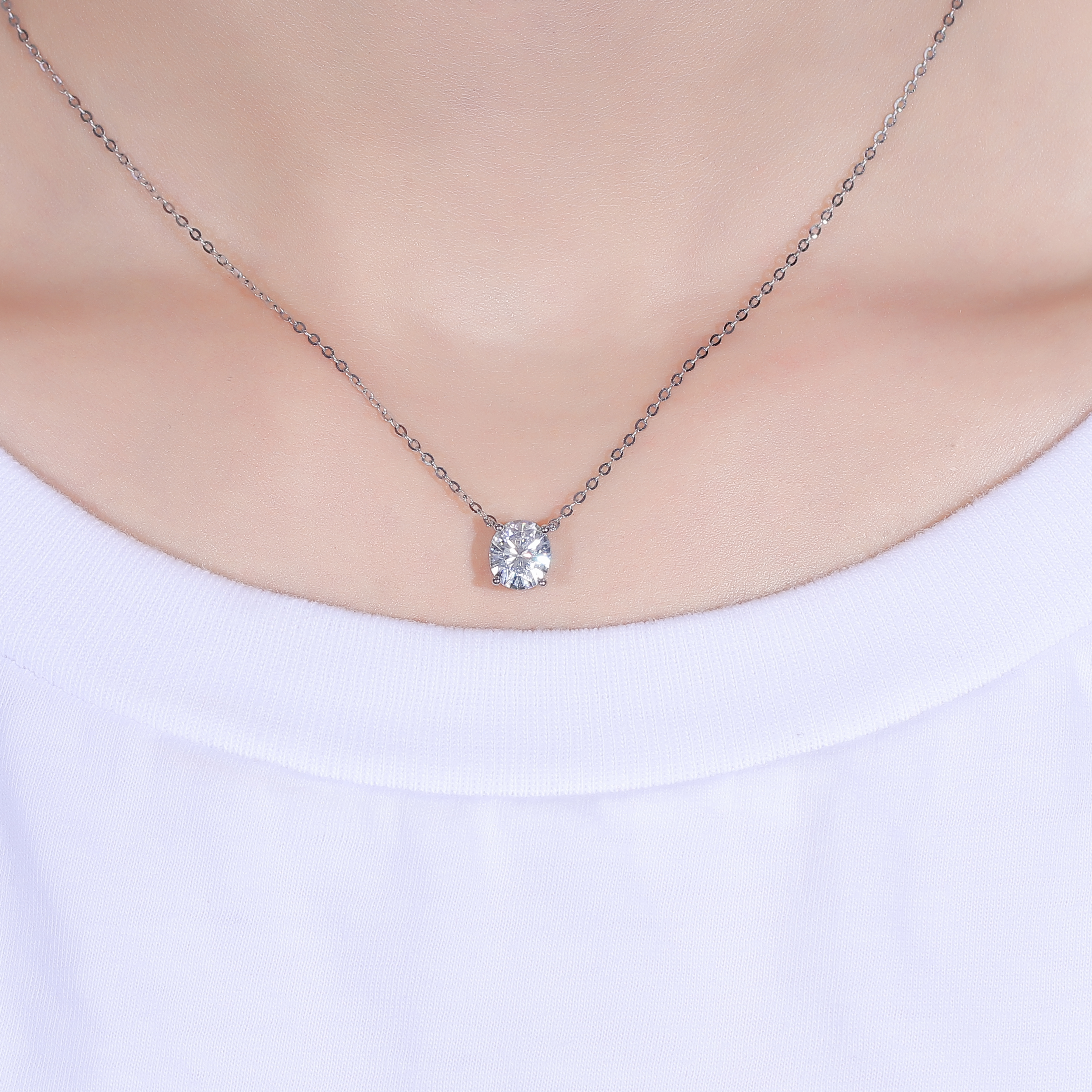 TransGems 14K 585 White Gold 2ct 7*8mm FG Color Oval Moissanite Pendant Necklace for Women Wedding Birthday Gifts Fine Jewelry