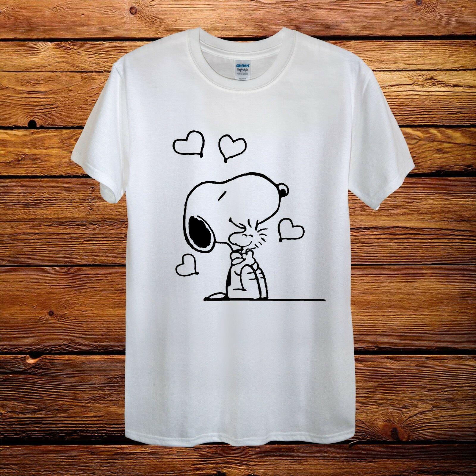 Snoopie Dog Peanuts Love Hug Top Design T-Shirt Men Unisex Women Fitted GiftMale Hip Hop Funny Tee Shirts Cheap Wholesale