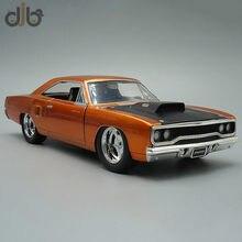 1:24 odlany Model samochodu zabawka Plymouth Road Runner miniaturowa replika pojazdu do kolekcji