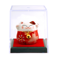 Lucky cat small gift box ceramic decorations Japanese home hotel office to send birthday gifts Christmas gift small ornaments