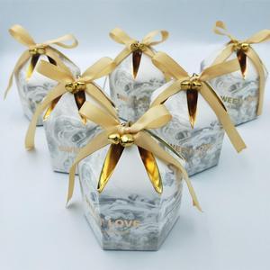 Image 3 - קופסות מתנת אריזת חתונה טובה שוקולד תיבת Bomboniera מתנות קופסות ספקי צד עם פעמוני & סרטי נייר שקיות