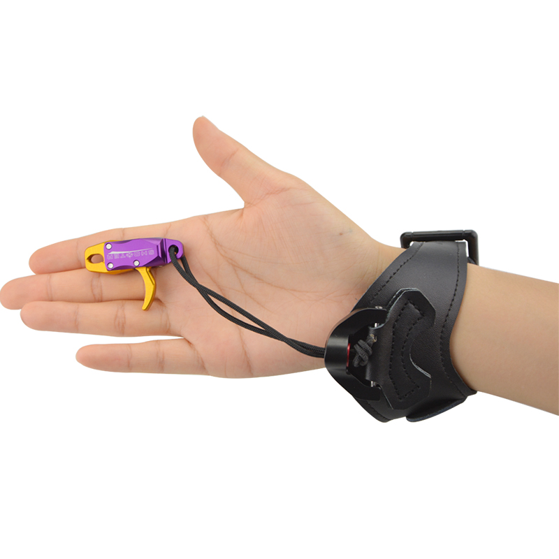 Archery Bow Wrist Release Aid Adjustable Buckle Trigger Caliper Strap Wrist Release Compound Bow Shooting Hunting Accessories in Darts from Sports Entertainment