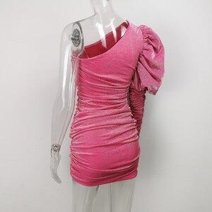 Image 4 - Karlofea Weibliche Neue Elegante Frühling Outfits Kleid Chic Sparkly Geraffte Mini Kleid Schöne Eine Schulter Puff Hülse Club Party Kleid