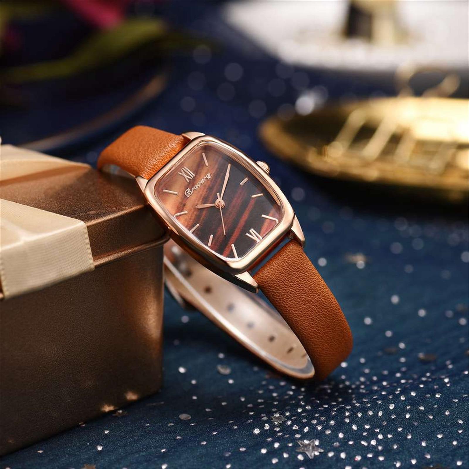 Часы наручные женские с квадратным циферблатом, модные повседневные кварцевые, с кожаным ремешком, подарок для женщин