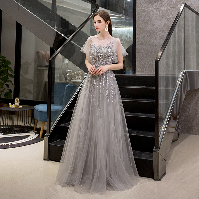 Elegant Gray Evening Dresses With Short Sleeves 2020 New Design Beaded Crystals Prom Party Gowns Tulle Floor Length Zipper Back
