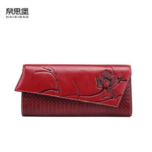 цена на NAISIBAO New women genuine leather bag designer brands wallets fashion Buckle embossing long women wallets leather clutch bags