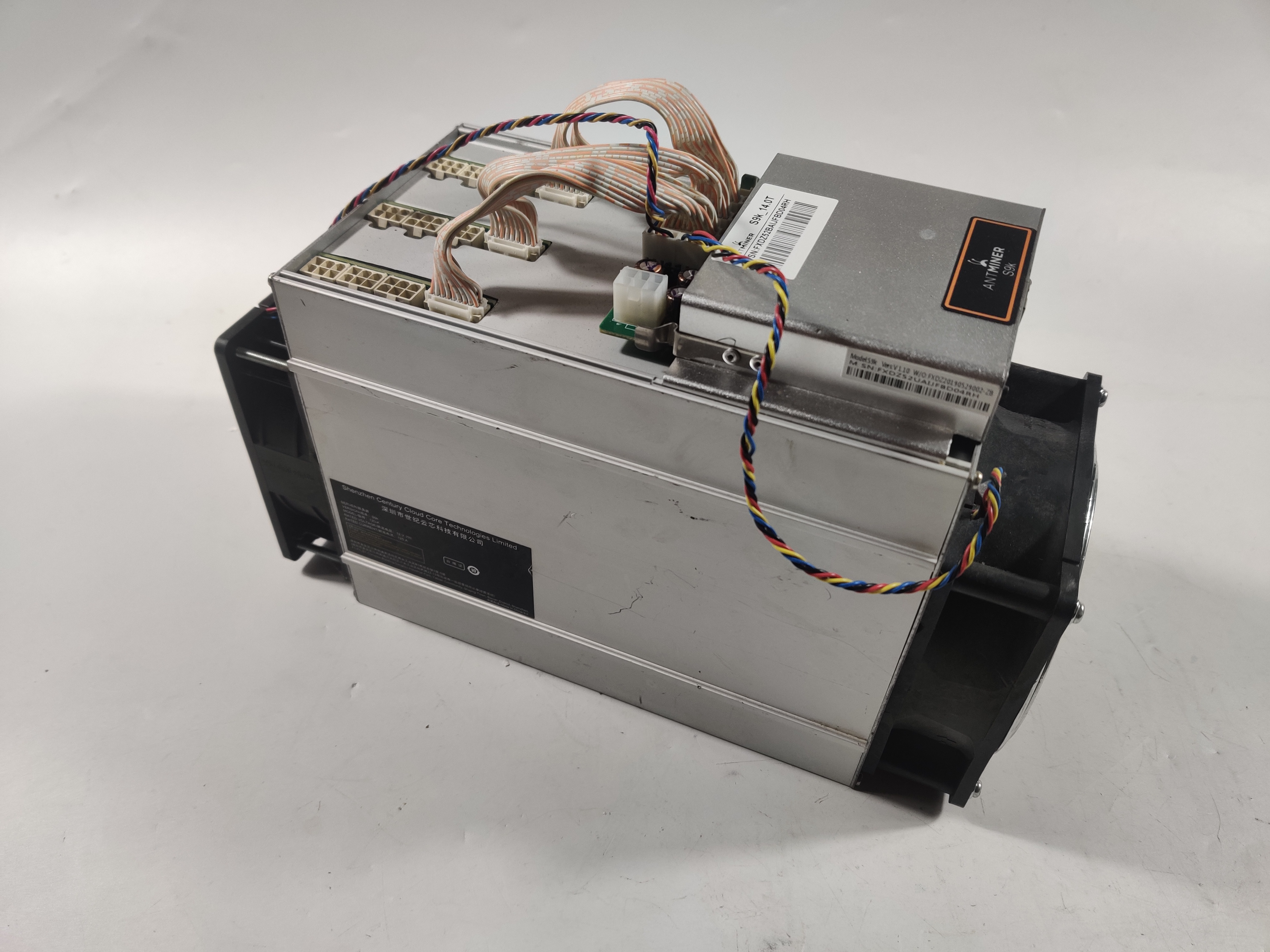 Used AntMiner S9k 14T Bitcoin BTC BCH Miner Better Than Antminer S9 13.5t 14t S9j 14.5t S9 SE S11 S15 S17 T9+ T15 T17 5
