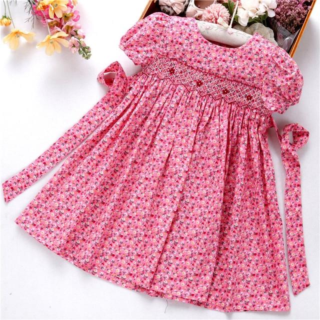 Smocked ドレス女の子のためのフロック手作りコットンベビー服の夏の子供ドレス刺繍パーティー休日の学校ブティック