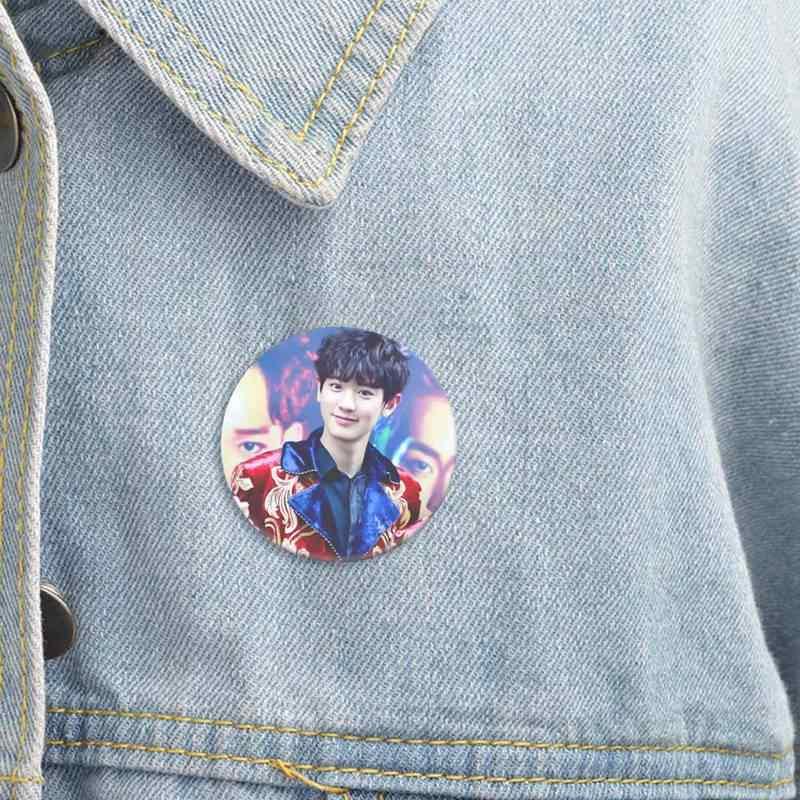 KPOP EXO EXO-K EXO-M EXODUS PLANET #2 broszka z motywem płyty cd K-POP przypinka akcesoria do ubrań kapelusz dekoracja plecaka