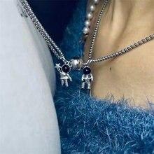 2 pièces amoureux minimalistes correspondant amitié astronaute pendentif magnétique Distance Couple collier bijoux cadeau d'anniversaire
