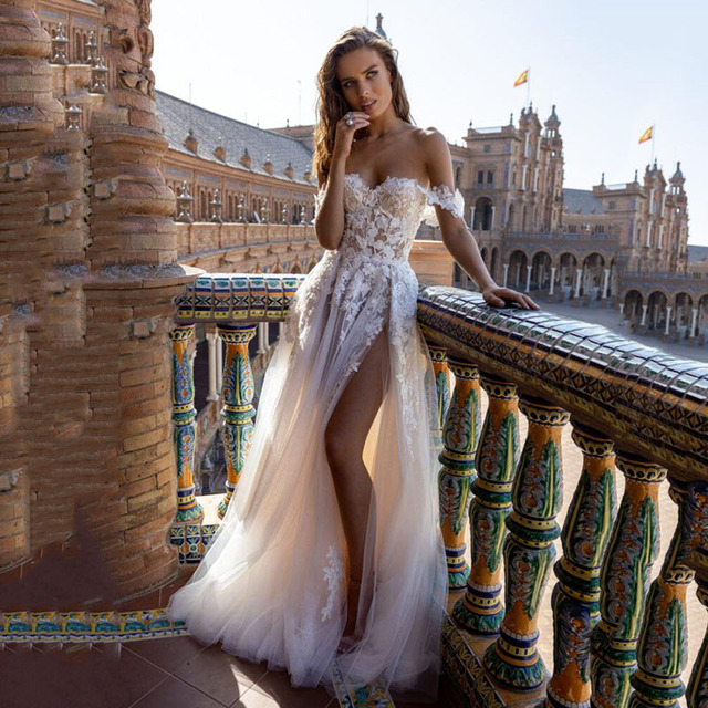 SoDigne Boho Tull Wedding Dresses Off the Shoulder Lace Appliques A Line Beach Bridal Gown Sexy High Split Wedding Gowns 1