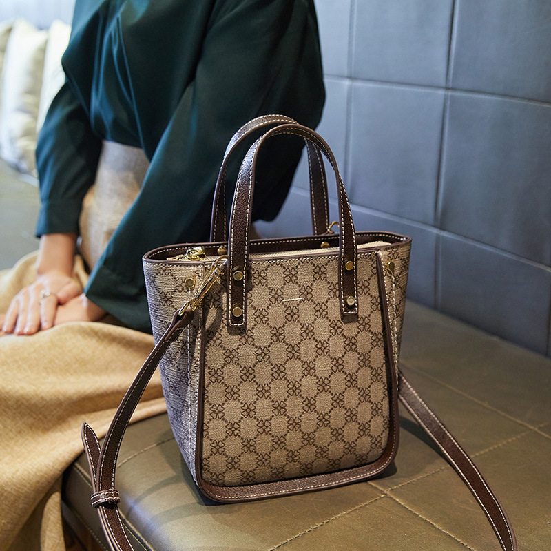 Impression femme seau Sac femmes épaule Sac à main ancienne couleur bandoulière Vintage Sac 2019 nouvelle mode luxe Design marque Rivet
