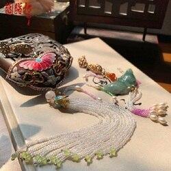 Xiang Si Chinese Beroemde Su Borduurwerk Jade Vlinder Hals Gesp Druk Flap Lange Kwastje Fragnance Zak Hanfu Accessoire