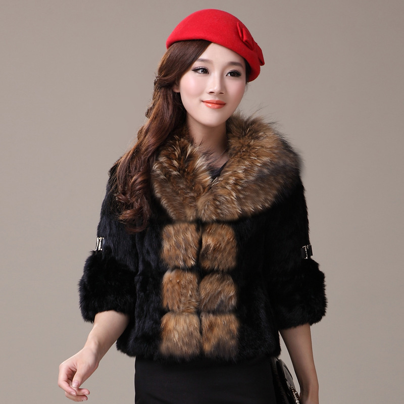 Genuine 2020 Rabbit Fur Coat Women Full Pelt Rabbit Fur Jacket Female Large Real Raccoon Fur Collar Winter Outwear YQ826