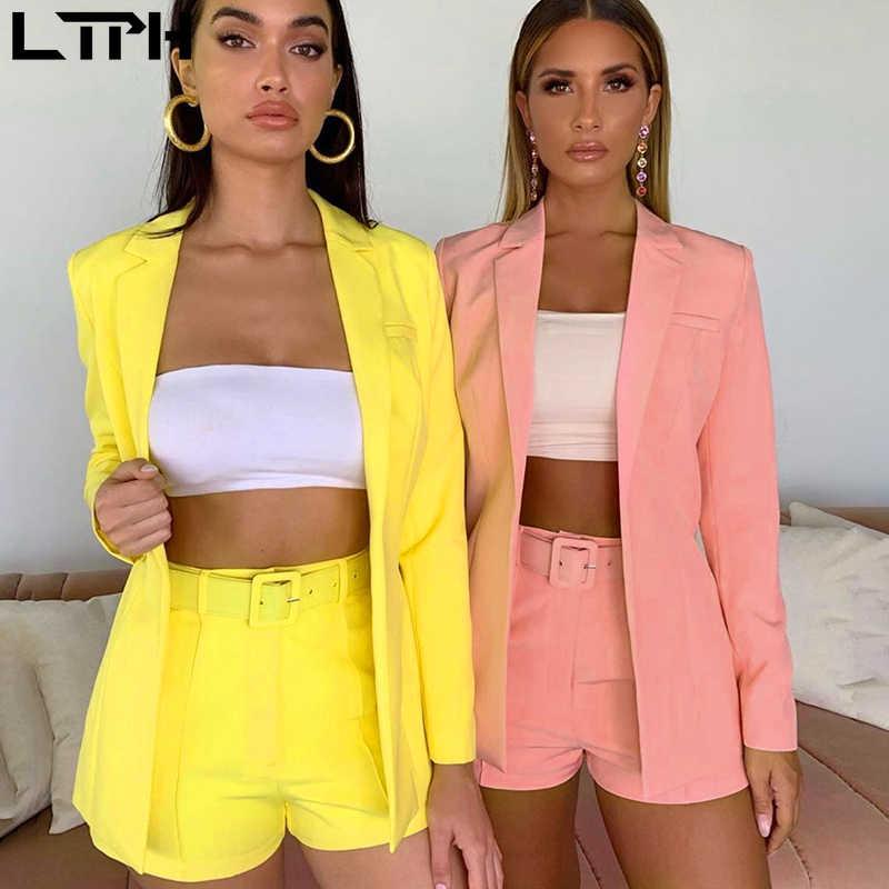 ขายร้อน 2019 ใหม่ INS ระเบิดผู้หญิงฤดูใบไม้ร่วงแขนยาวเสื้อสเวตเตอร์ถักกางเกงขาสั้นสีทึบ 2 ชิ้น lady ชุดจริง