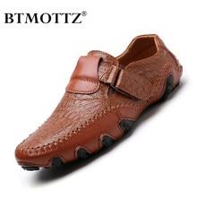 Мужская обувь ручной работы из натуральной кожи; повседневные брендовые итальянские мужские лоферы; модная дышащая обувь для вождения; Мокасины без застежки; BTMOTTZ