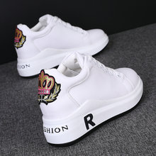Shoes Woman 2020 Increas Height Casual Female Sneakers Round Toe Designer Brand Luxury Women Clogs Platform All-Match New Modis(China)