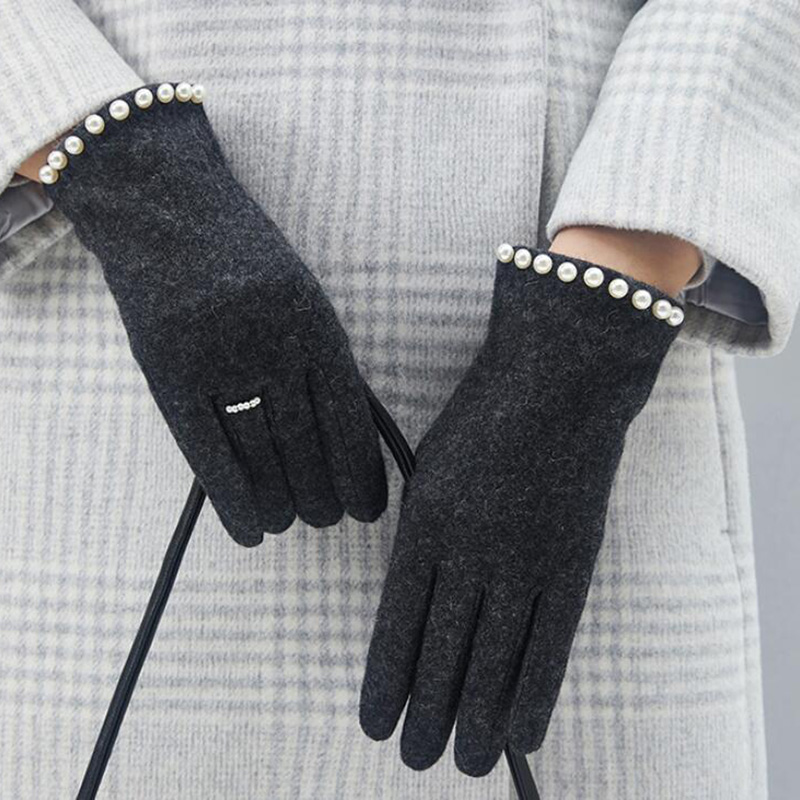 Winter Women Warm Cashmere Embroidery Touch Screen Gloves Female Rabbit velvet High-end Pearl Ring Thicken Driving Mittens H69