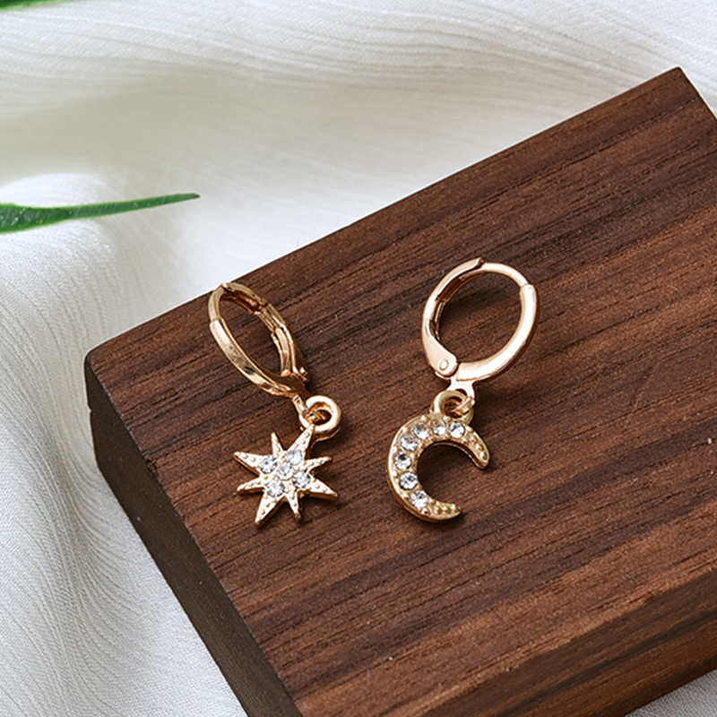2019 New Arrival Fashion Classic Geometric Female Swing Earrings Asymmetrical Star And Moon Earrings Female Korean Jewelry
