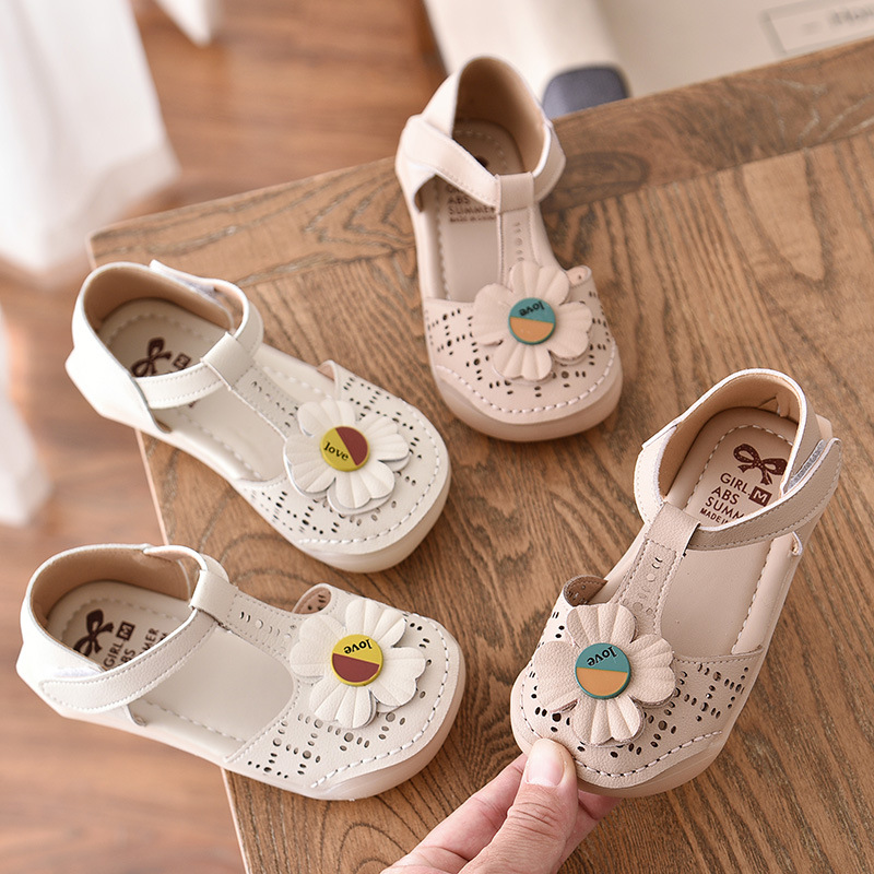 2020 Summer New Flower Girl Hollow Outs Sandals Children Baby Shoes Girls Princess Sandals Sweet Children Footwear Floral D02281