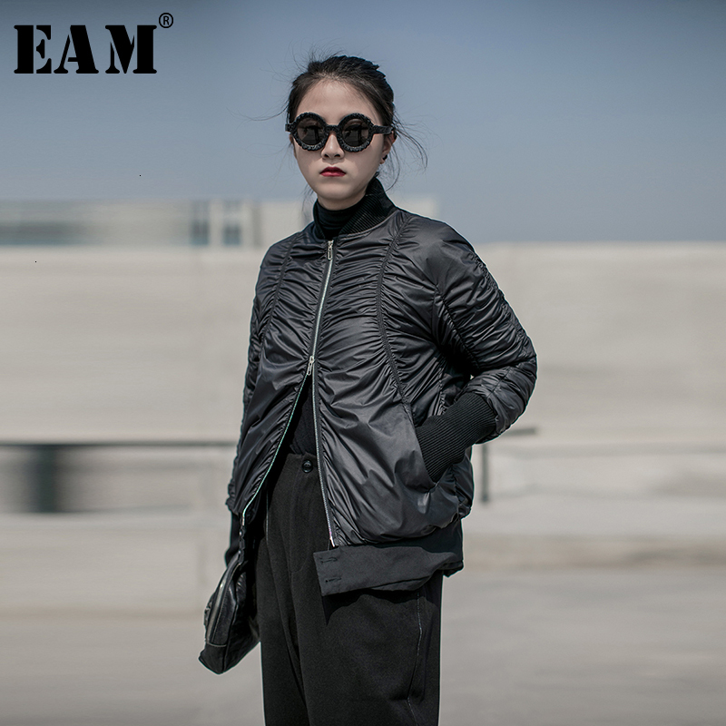 [EAM] Loose Fit Pleated Warm Down Jacket New Hooded Long Sleeve Warm Women Parkas Fashion Tide Spring Autumn 2020 19A-a823