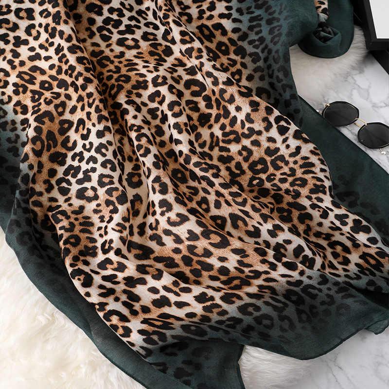 ผ้าพันคอผ้าพันคอHijabผู้หญิงเสือดาวพิมพ์ShawlsและWrapsคุณภาพสูงFoulard Solid Workmatch Pashminaคอยาวผ้าพันคอฤดูหนาว