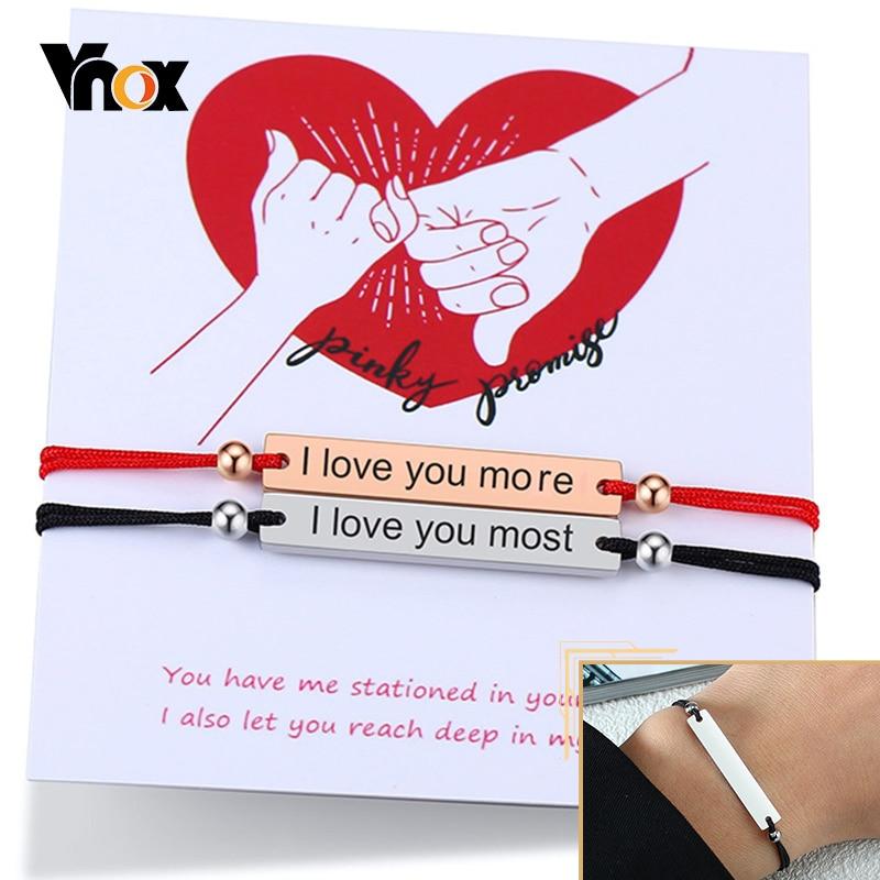 Vnox Personifizierte Gravieren Namen Buchstaben Paare Armbänder für Frauen Männer mit Edelstahl ID Bar Rot Schwarz Seil Kette