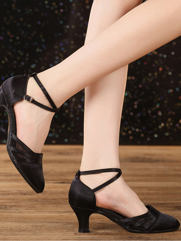 retail brand girl shoes ideas