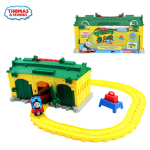 цена на Original the Train Tidmouth Diecast Metal Engine Playset Collectible Railway  Track model car toys for children