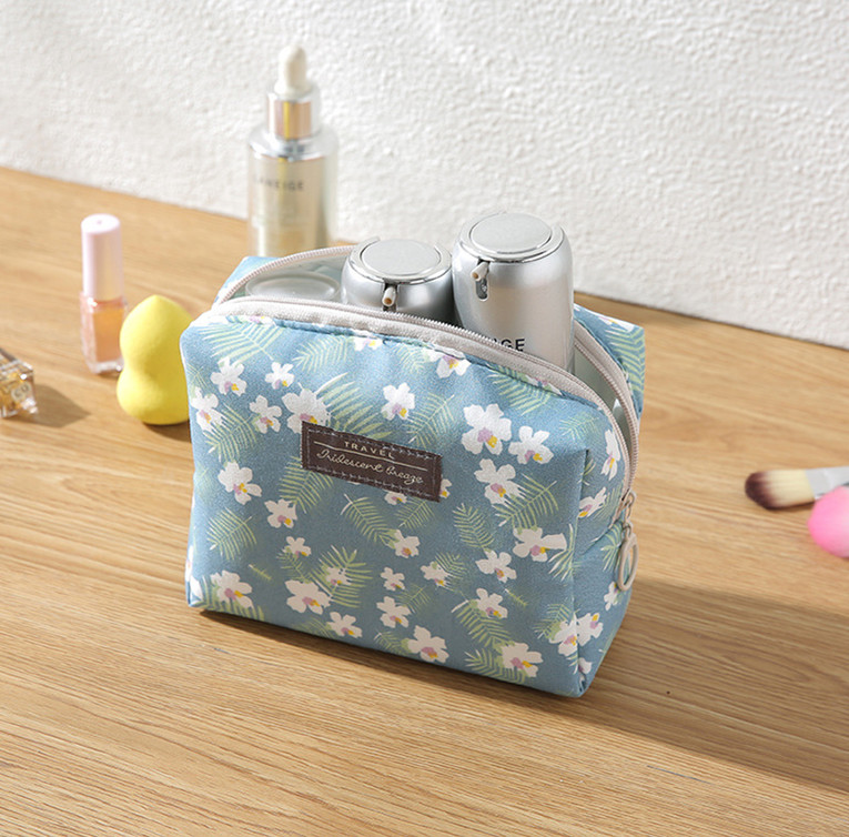 Fashion Mini Purse Toiletry Sweet Floral Cosmetic Bag Travel Wash Bag Organizer Portable Beauty Pouch Kit Makeup Pouch Make Up