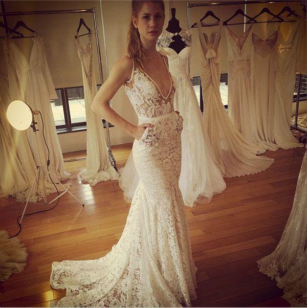 Casamento Romantic Vestido De Noiva Renda 2018 New Fashionable Sexy V-neck Bridal Gown Lace Bride Mother Of The Bride Dresses