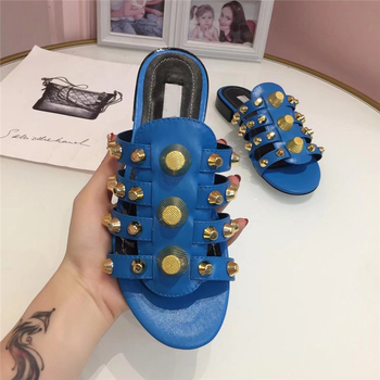2019 Gold Studded Slippers Women Peep Toe Black Red Real Leather Screw Rivet Flat Shoes Woman Chic Design Gladiator Sandals 3