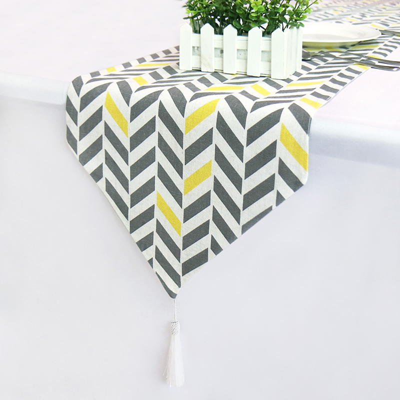 Table Runners Modern Linen Stripe Bed Runner For Wedding Geometric Luxury Cloth With Tassels Dining Decoration Party Home