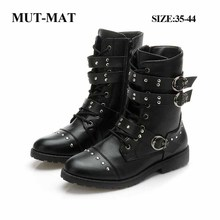 2019 Autumn Man And Women Martin Boots British Style Brock Carved Handsome Women