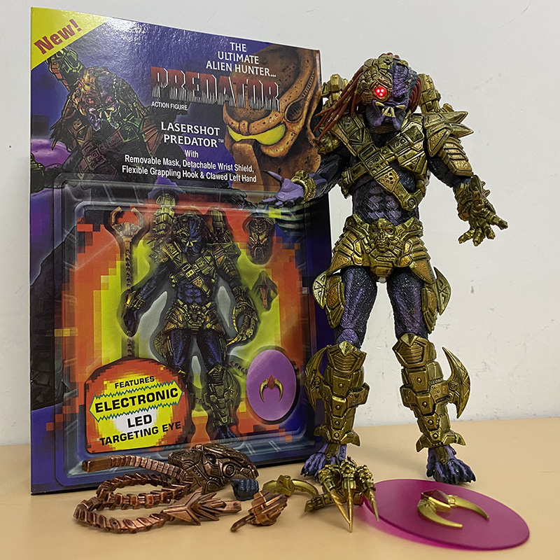 NECA Lasershot Predator Elder Predator Action Figure Collection modello Toy Decoration giunti figura mobile con LED