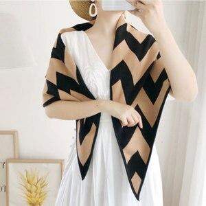 Image 4 - Marca de luxo lenços femininos xadrez sólida cachecol de caxemira presente para senhora borla padrão de amor pashmina echarpe cape xales e envoltórios