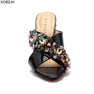 Image 4 - Сандалии стразы женские на высоком каблуке, роскошные брендовые дизайнерские босоножки, свадебная обувь с открытым носком, черные, лето 2019