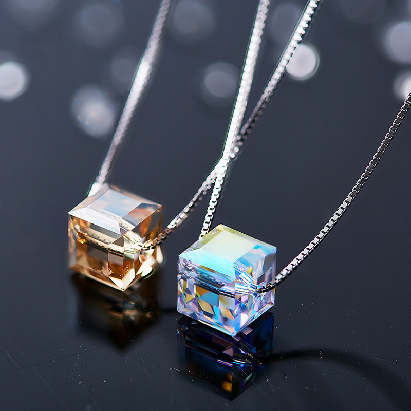 Warme Farben Crystal from Swarovski Necklace for Women Korean Simple Style Cube Crystal Pendant Necklace Fashion Choker Necklace