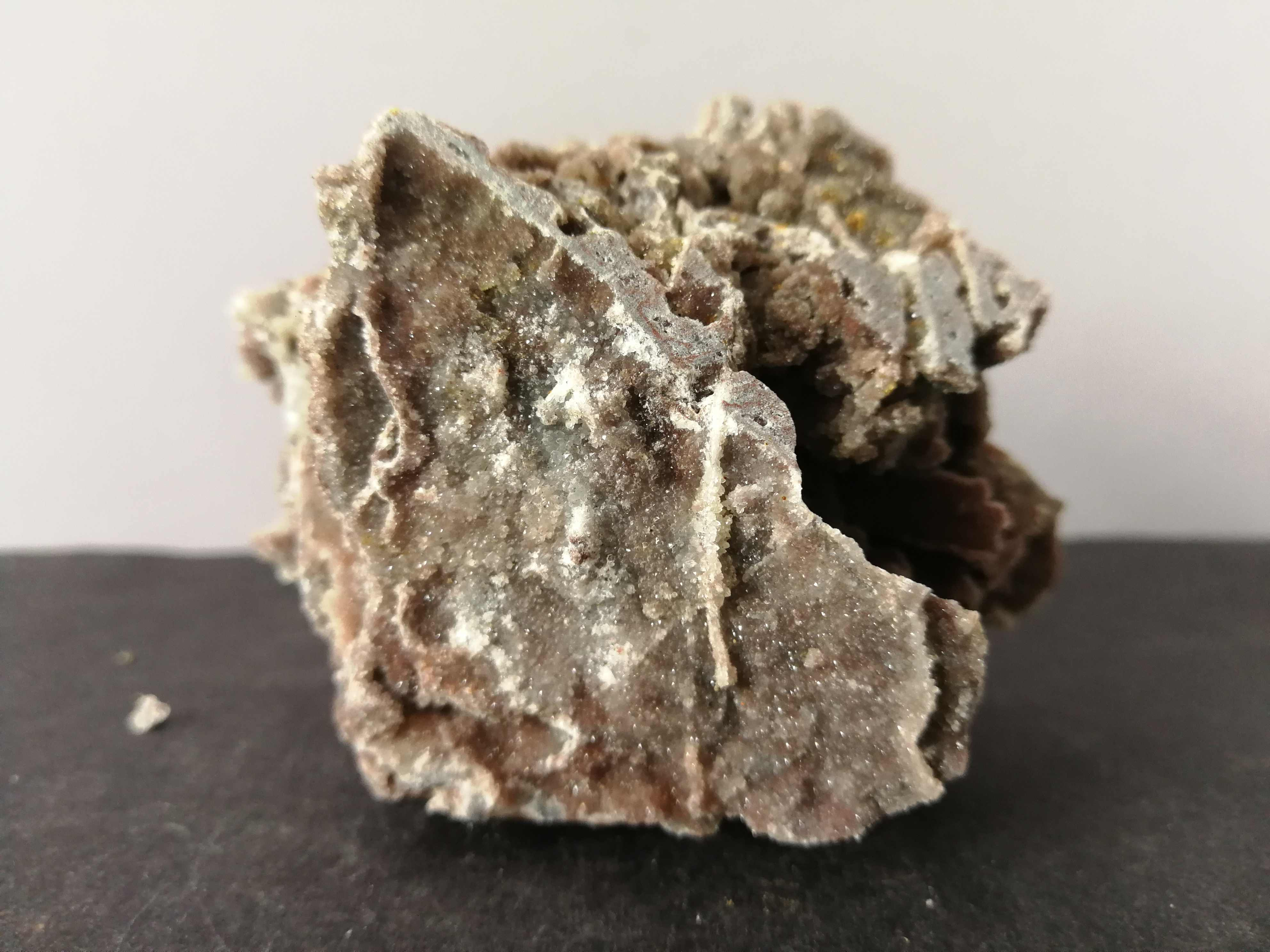 189.0 Gnatural Diorama Mineral Spesimen, Kuarsa, Kristal Furniture Batu Energi