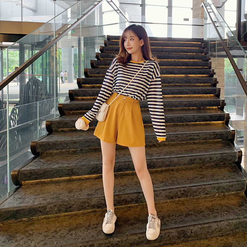Customizable 2019 Korean-style Autumn Set Loose-Fit Stripes Long-sleeved T-shirt Tops + Wide-Leg Shorts Two-Piece Set F7494