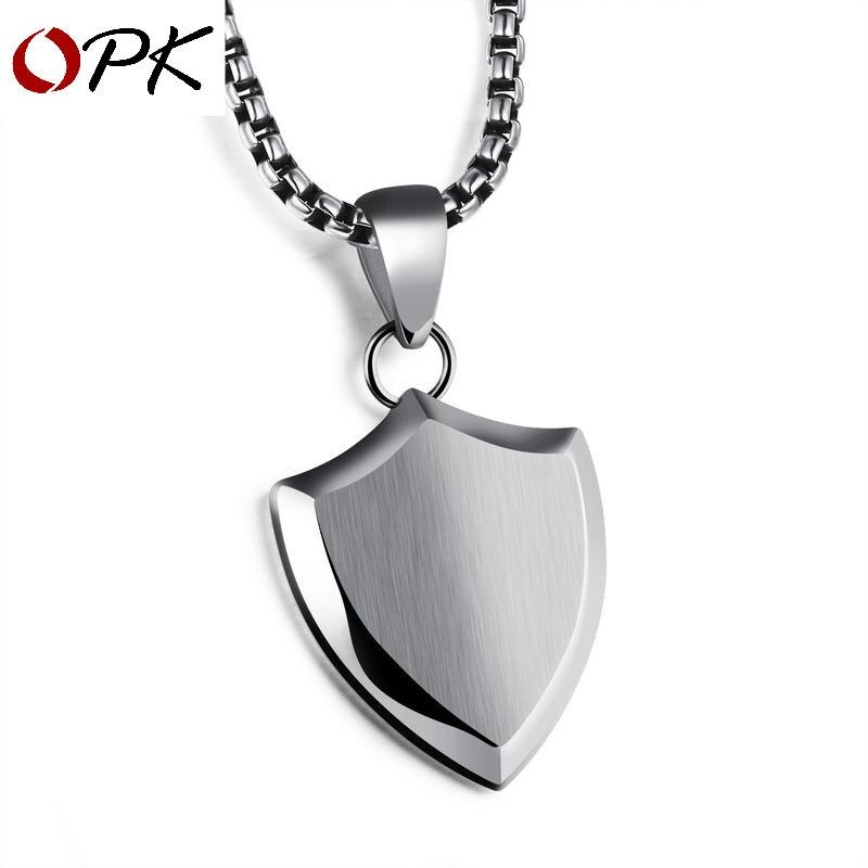 Pendentif en acier titane avec bouclier triangulaire OPK collier lisse pour hommes avec chaîne en perles gravé au laser
