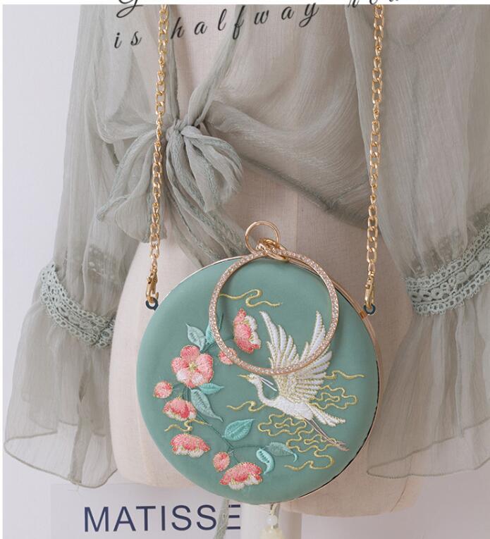 Angelatracy 2019 New Arrival Chinese Bird Floral Cheongsam Fresh Classical Hanfu Circular Messenger Bag Day Clutch Hand Bags