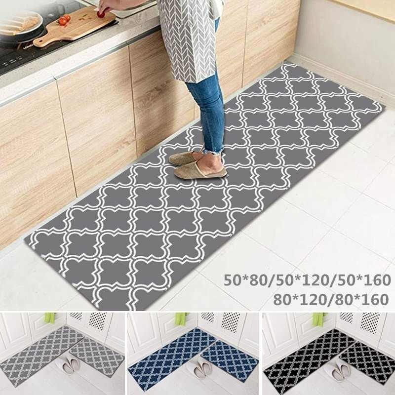 tapis de cuisine long antiderapant pour sol lavable confortable ideal a la salle de bains et les bureaux pour les pied devant une porte