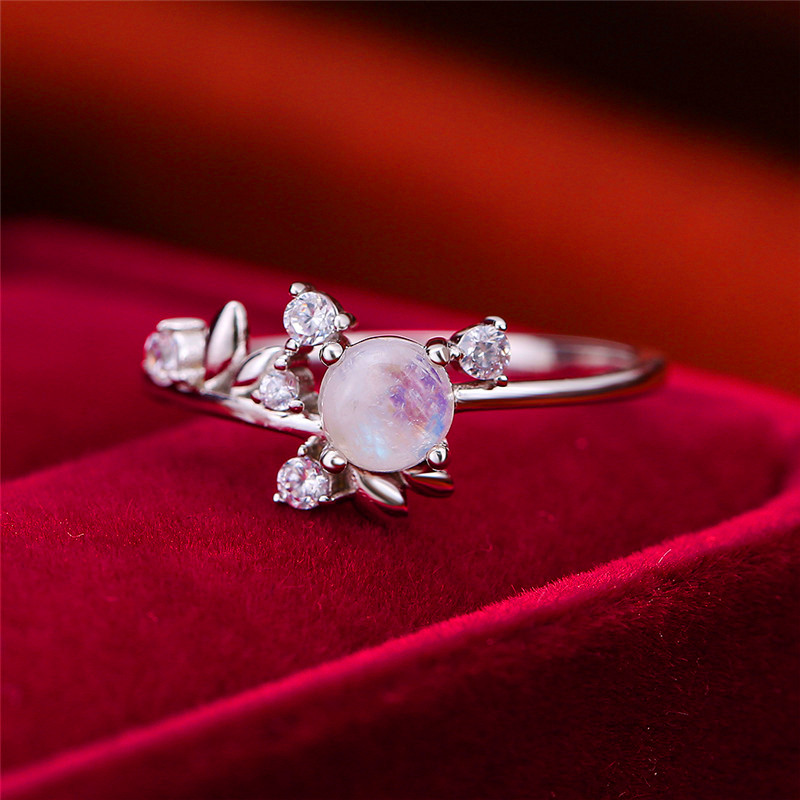 Cute Female Round Natural Moonstone Ring 100% 925 Sterling Silver Love Engagement Ring Vintage Small Leaf Wedding Band Rings